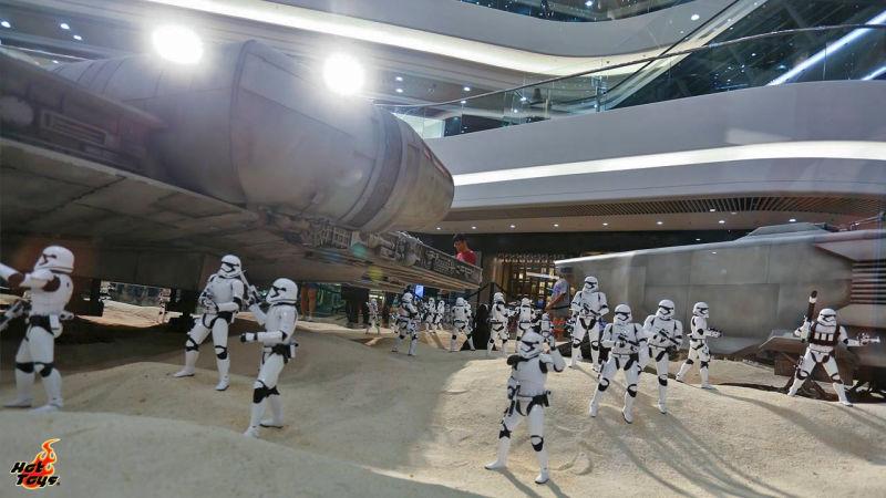 Star Wars Ecco Il Meraviglioso Diorama Con Le Action Figure In Scala 16 -6466