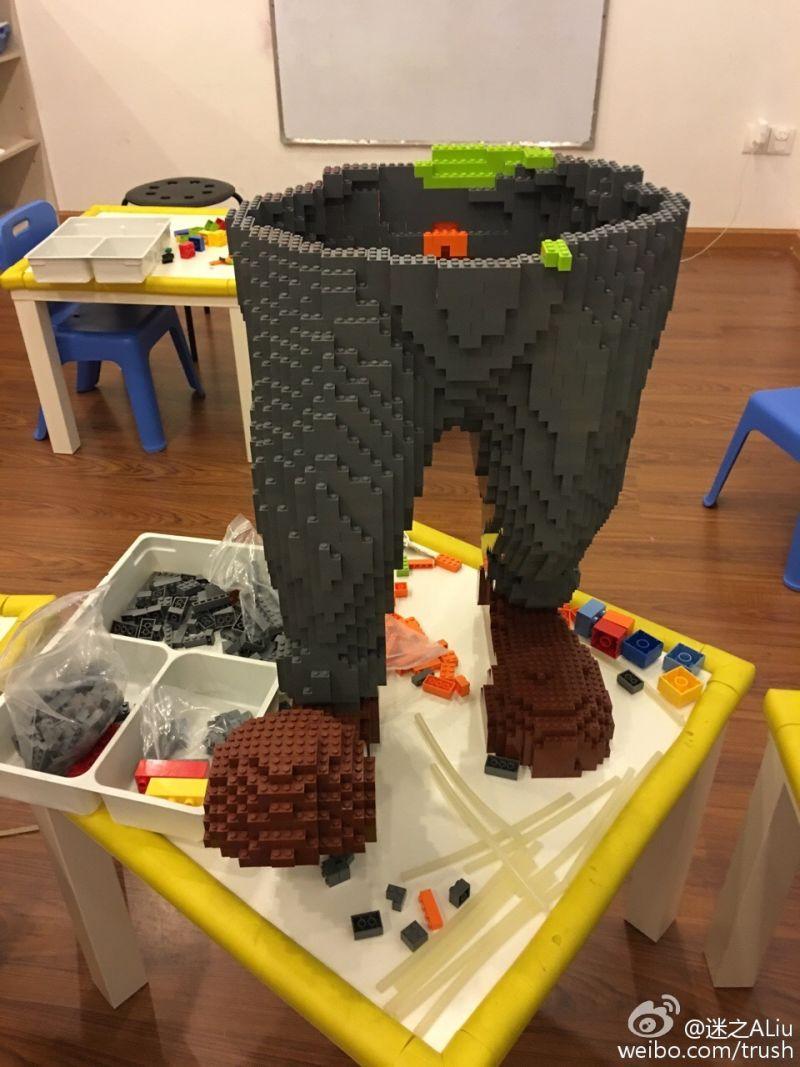 Statua Zootropolis fatta con il Lego distrutta