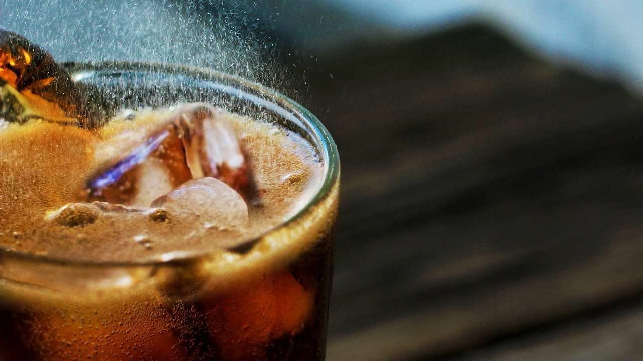 Antartide, ritrovata lattina di Coca-Cola vecchia di più di 50 anni