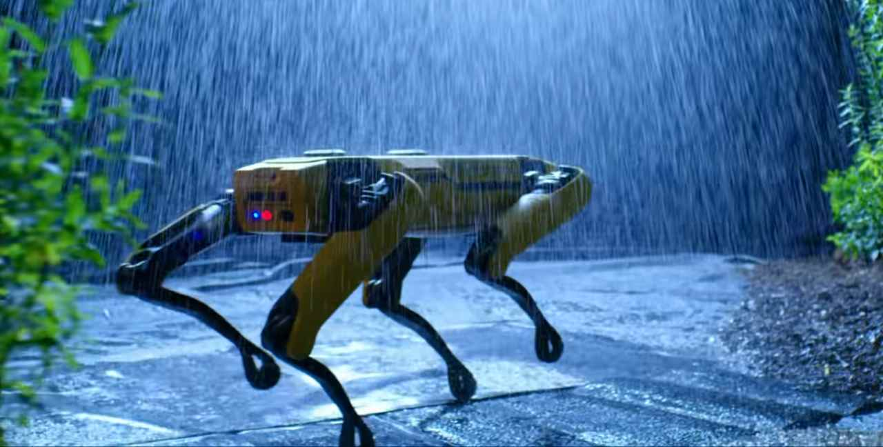 New York, ecco Spot il poliziotto robot di Boston Dynamics - VIDEO