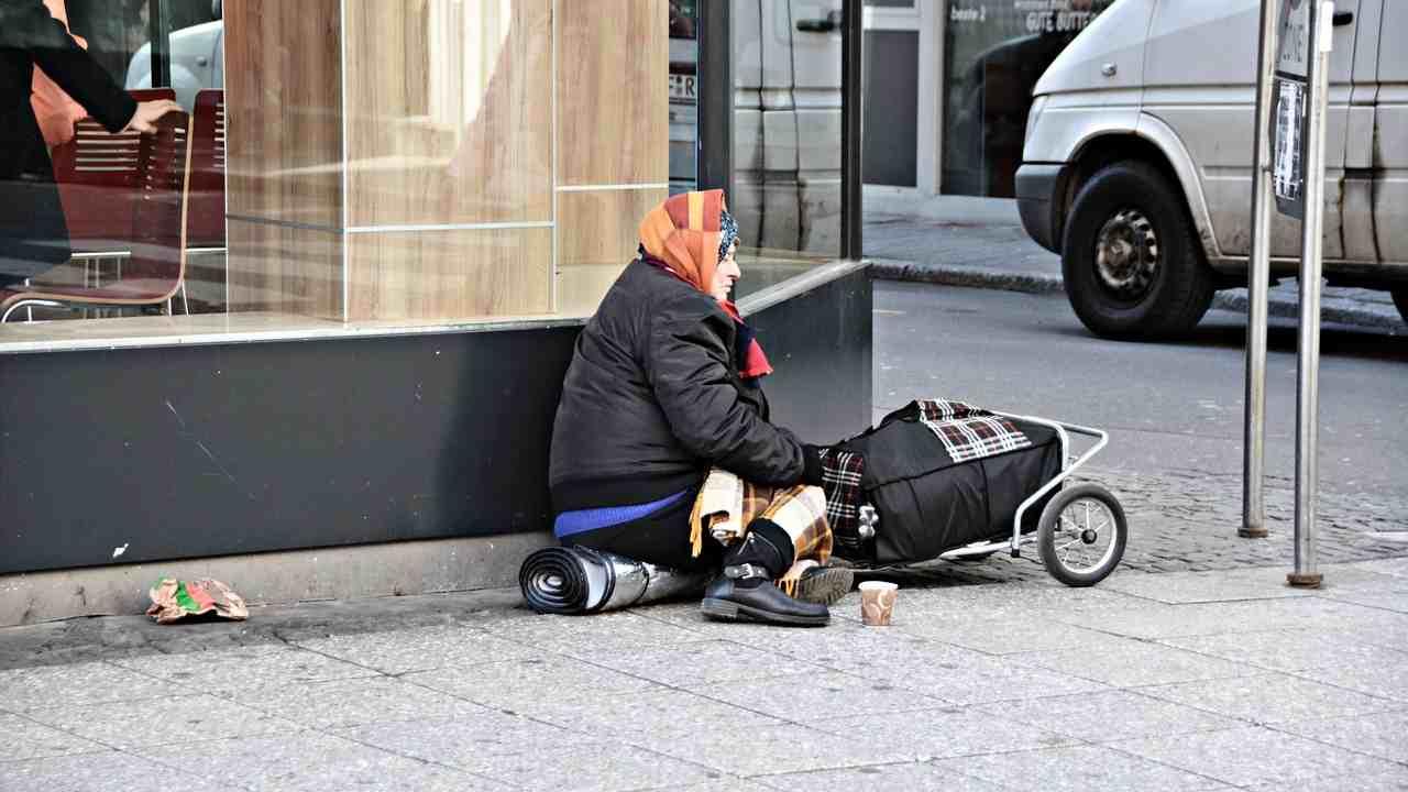 Basilea paga i senzatetto per andarsene e non tornare più