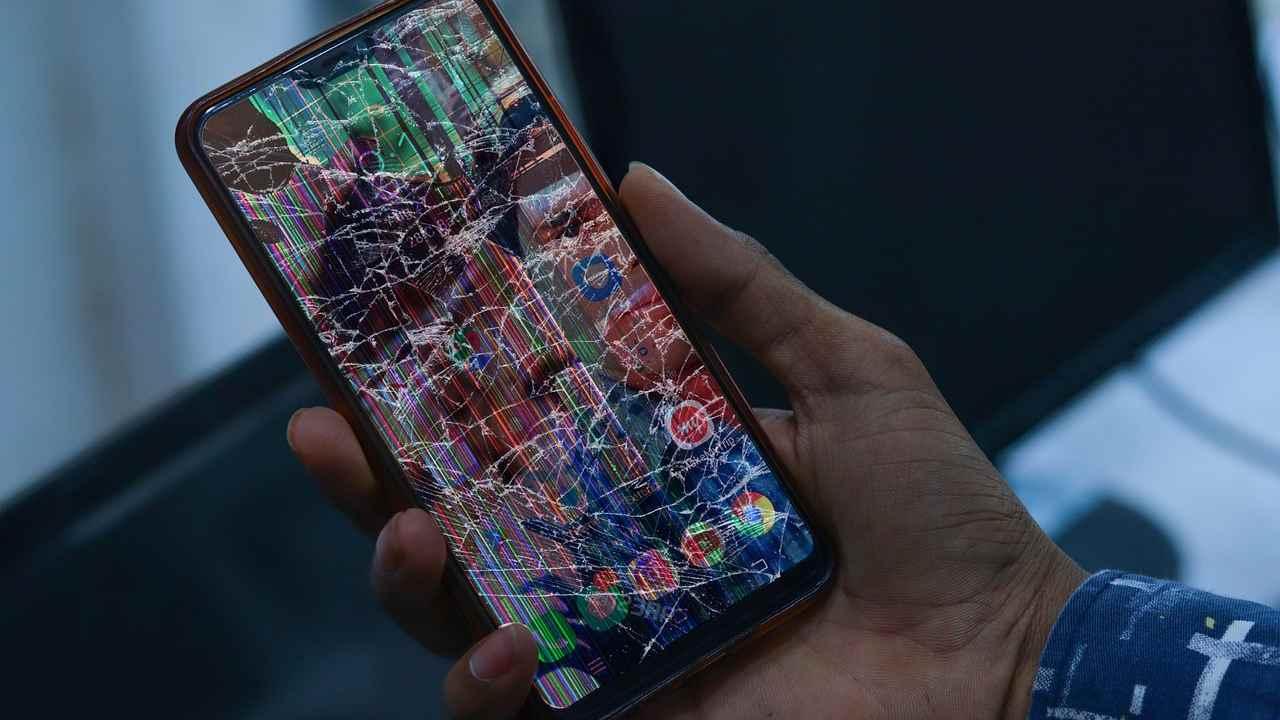 Guai per Samsung, class action contro il vetro del Galaxy S20