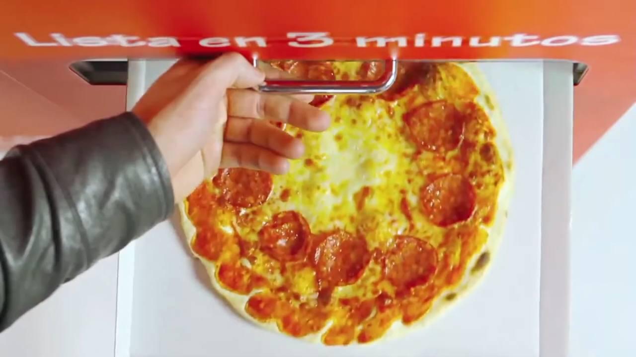 Pizza in piena notte? A Roma c'è il distributore che te la fa in tre minuti
