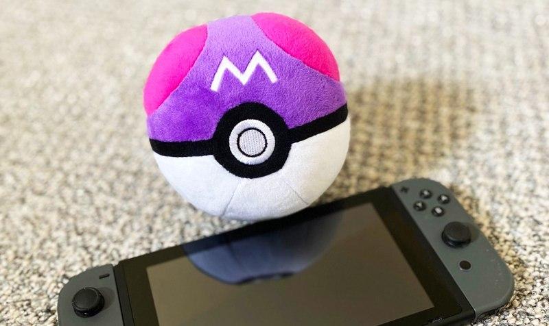Masterball peluche Pokémon Nintendo Switch