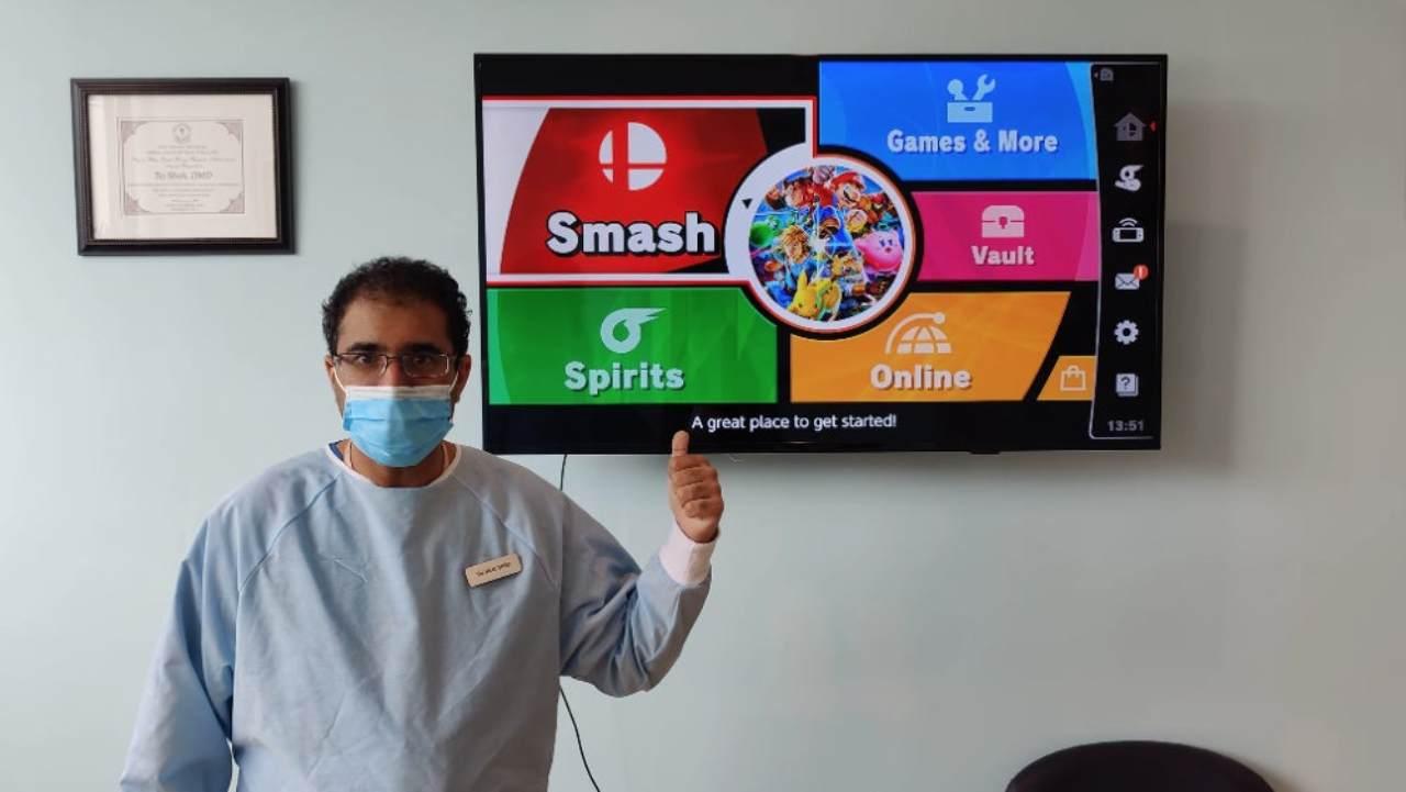 Dentista sfida clienti ai videogiochi